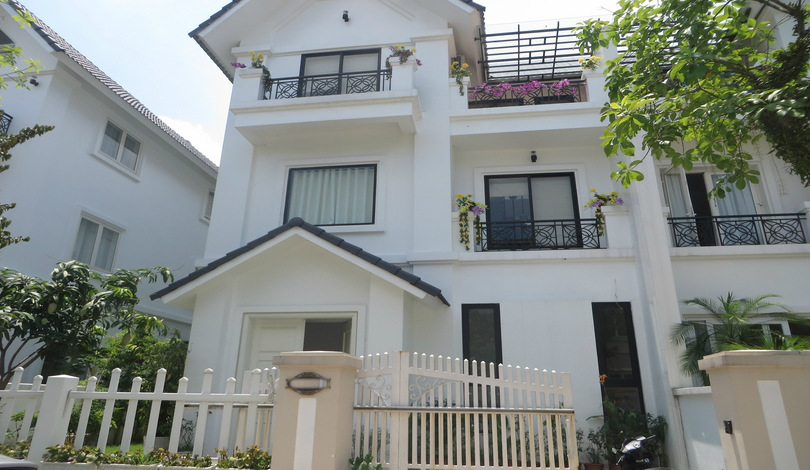 02 bedroom semi-detached house to rent in Vinhomes Riverside Long Bien