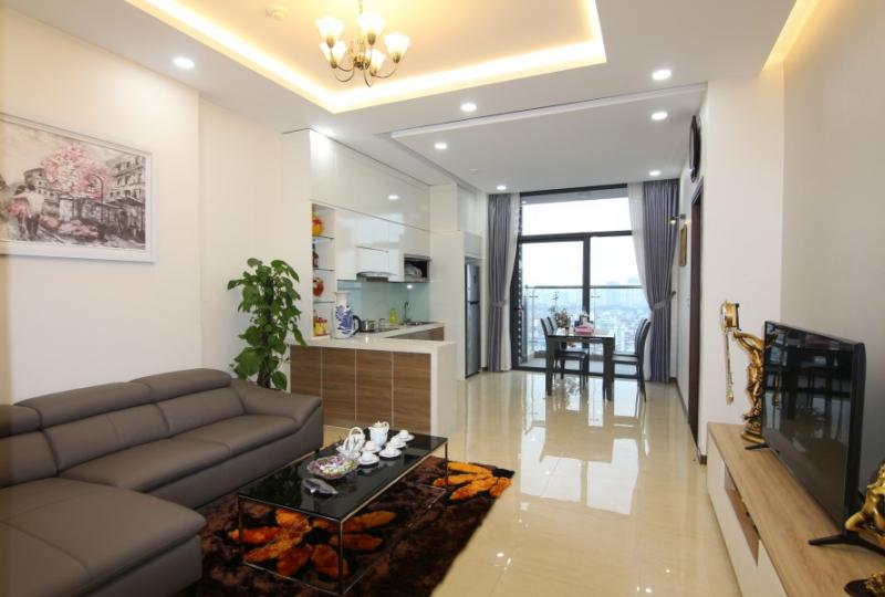 02 double beds, 01 single bed apartment in Trang An Complex