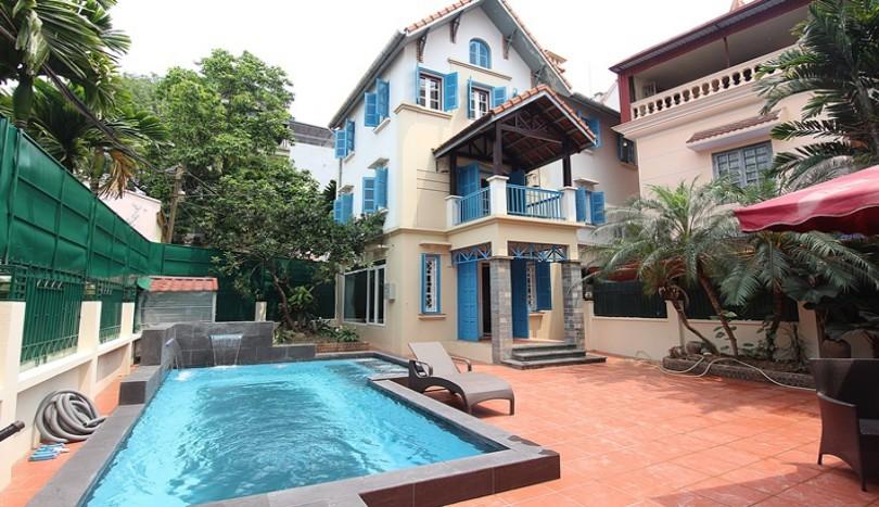 04 bedroom detached house for rent on To Ngoc Van, garden & airy