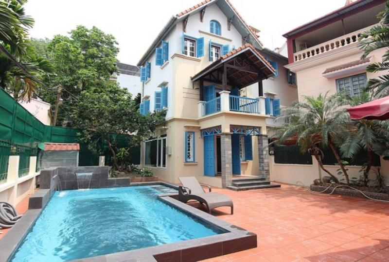 04 bedroom detached house for rent on To Ngoc Van, garden & airy
