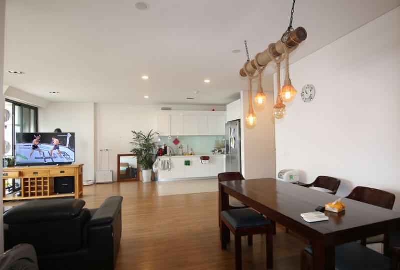 Bright Mipec Long Bien apartment to rent 3 bedrooms furnished