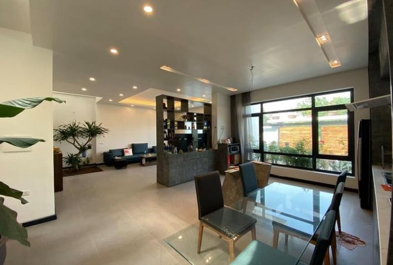 Tay Ho house for rent with 4 bedrooms in 02 floors