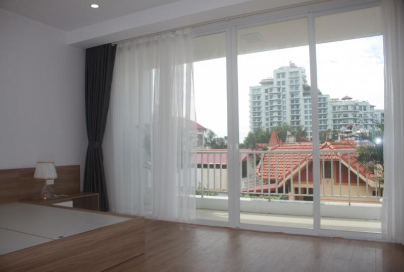 2 bed 2 bath apartment in Dang Thai Mai street, Tay Ho, Balcony