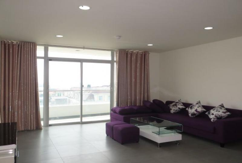 2 bedroom apartment for rent in Watermark Hanoi, swimming pool