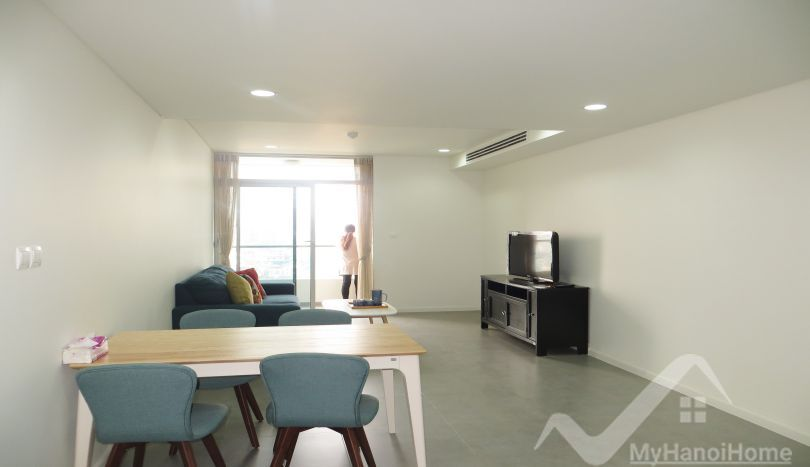 2 bedroom apartment in Watermark Hanoi to rent with lake view