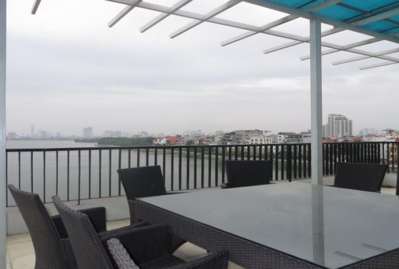2 bedroom apartment to let in Tay Ho, westlake view, furnished