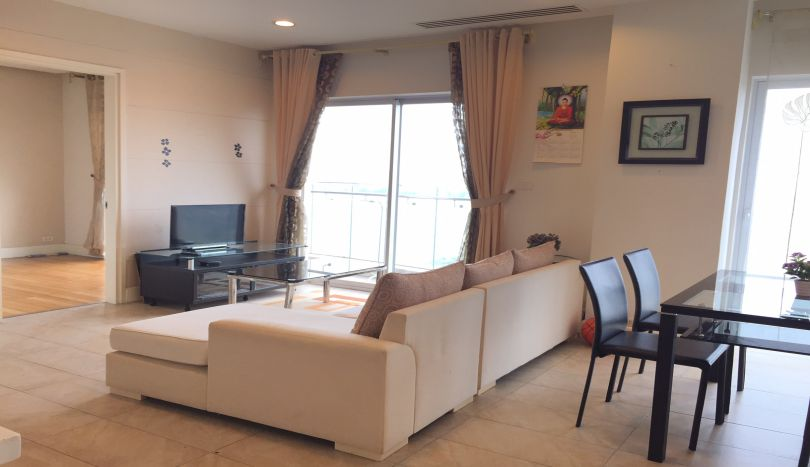 2 bedroom lake view apartment to rent in Golden Westlake