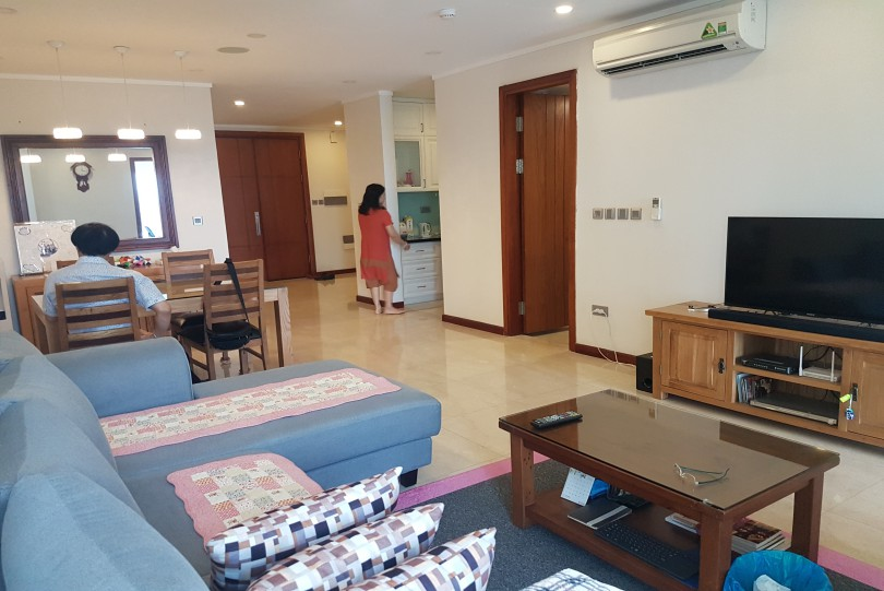 3 bedroom 2 bathroom apartment in Ciputra Hanoi furnished