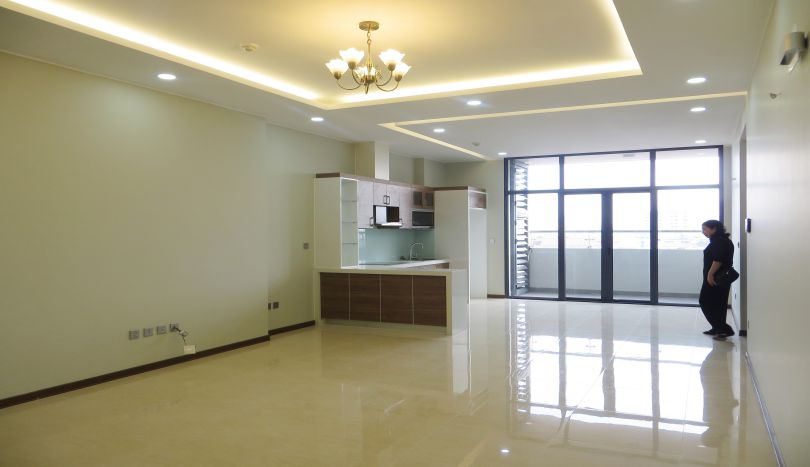 3 bedroom apartment for rent in Trang An Complex unfurnished