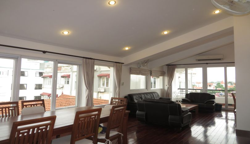 3 bedroom apartment to let in Tay Ho district, 3 baths