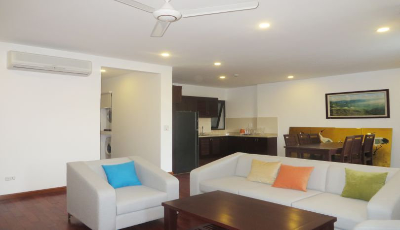 3 bedroom apartment to rent in tay ho 180m2 2 bathrooms for Apartments with 3 bedrooms and 2 bathrooms