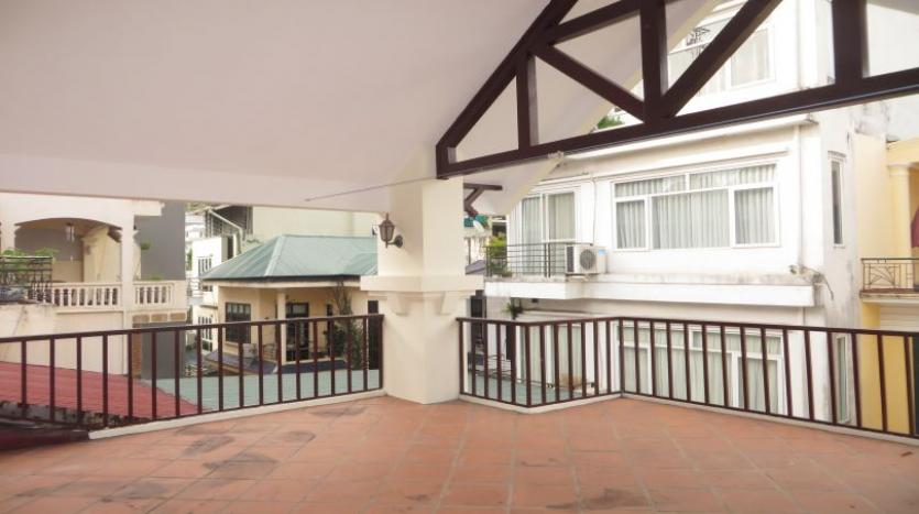 3-bedroom-house-for-rent-in-nghi-tam-village-with-unfurnished-tay-ho-19