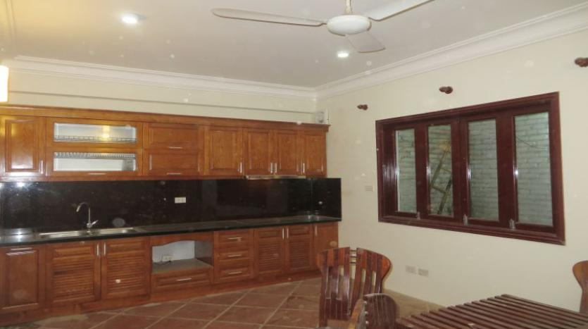 3-bedroom-house-for-rent-in-nghi-tam-village-with-unfurnished-tay-ho-2