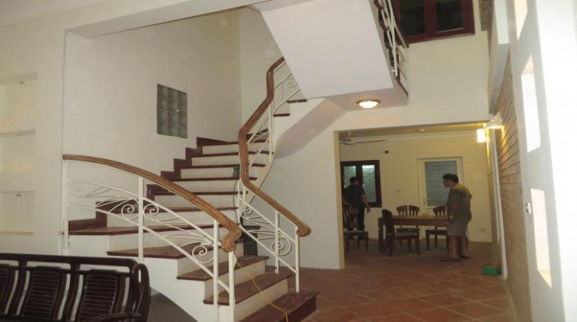 3-bedroom-house-for-rent-in-nghi-tam-village-with-unfurnished-tay-ho-21