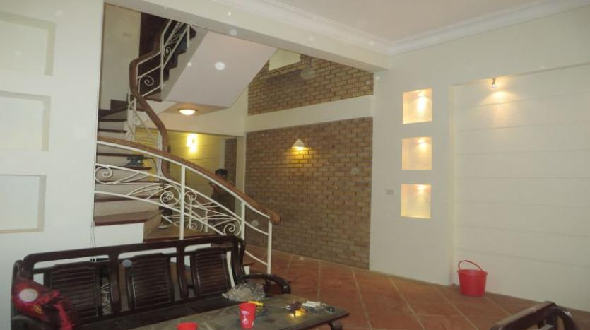 3-bedroom-house-for-rent-in-nghi-tam-village-with-unfurnished-tay-ho-24