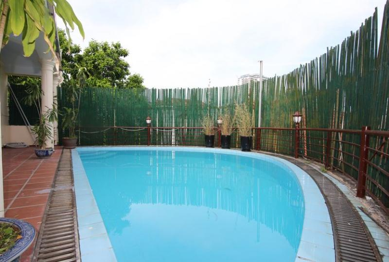 3 bedroom house in Tay Ho for rent with furnished