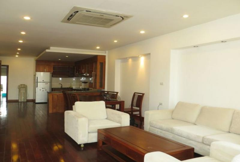 3 bedroom serviced apartment to rent in Tay Ho, full services