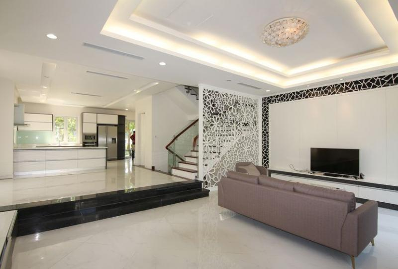 Modern Vinhomes Riverside Hanoi villa rent with furnished close BIS