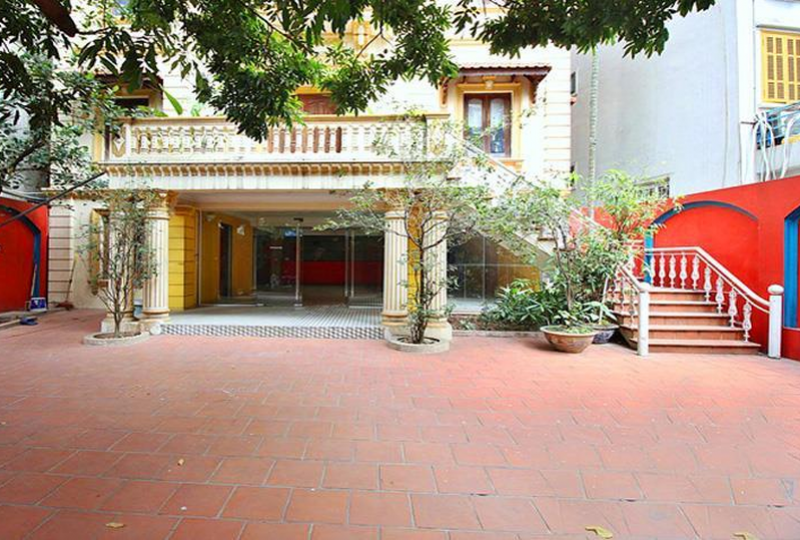 Rent French colonial villa on To Ngoc Van street in Tay Ho