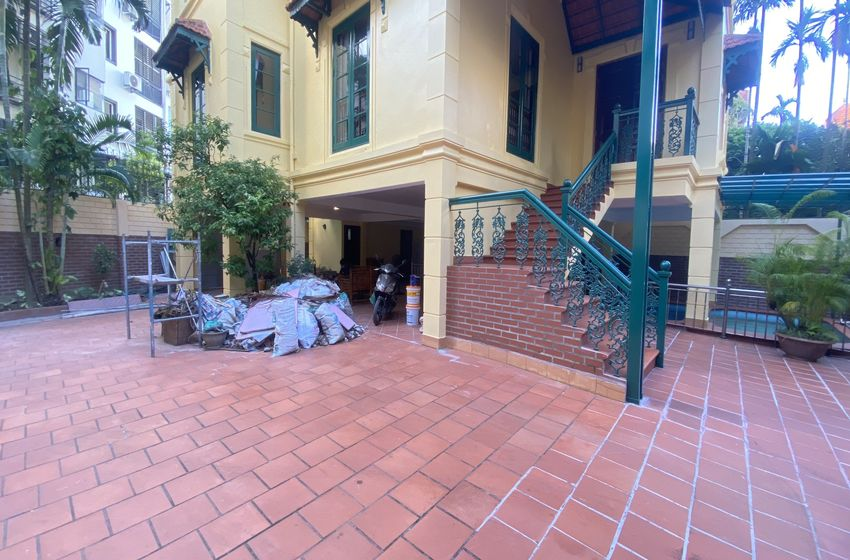 4 bed 3 bath house for rent in Tay Ho, Hanoi