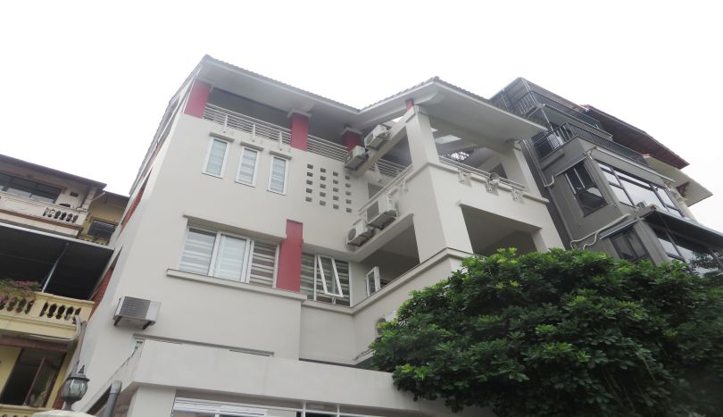 4 bedroom detached house for rent in Tay Ho, lake view