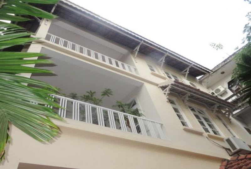 4 bedroom house rental in Tay Ho, 4 floors, fully furnished