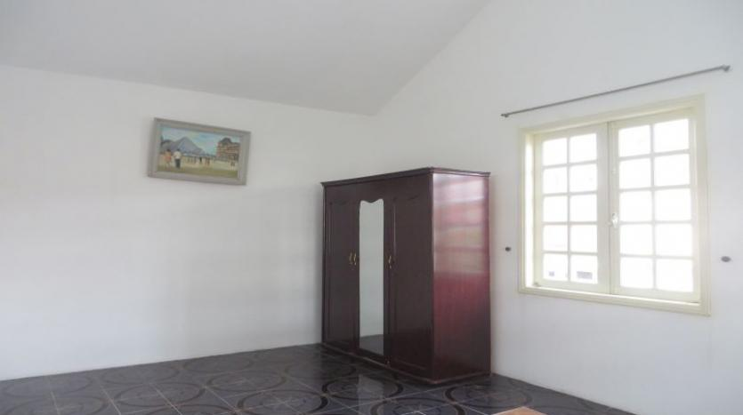 4-bedroom-house-rental-in-tay-ho-furnished-with-large-yard-23
