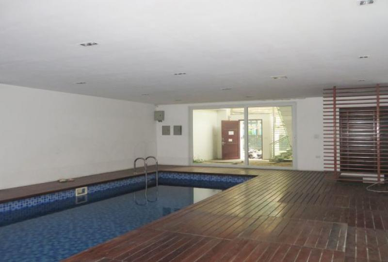 4 bedroom house to rent in Tay Ho area, swimming pool & garden