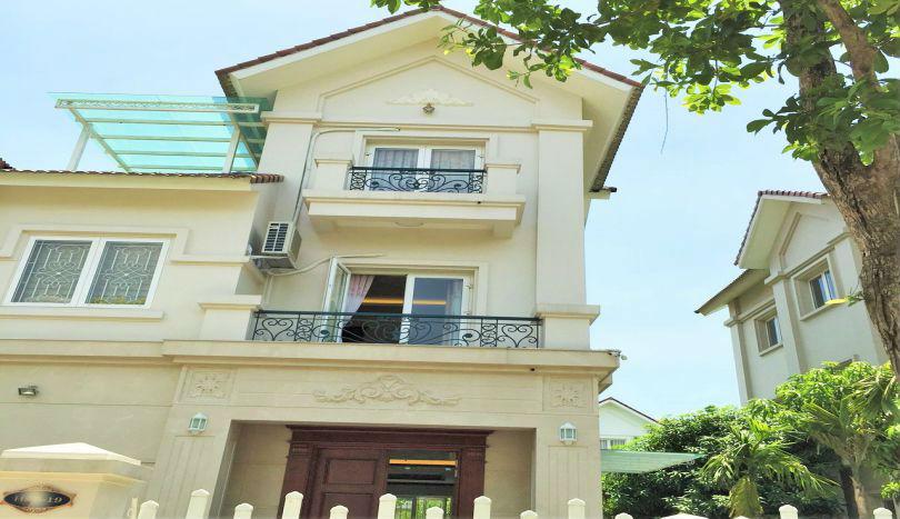 4 bedroom terraced villa for rent in Vinhomes Riverside, river view