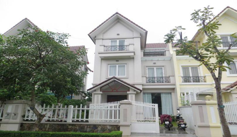 4 bedroom villa to let in Vinhomes Riverside, close to Almaz