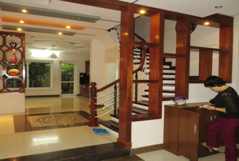 4 double bedroom house to rent in Tay Ho with garden
