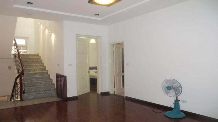 4bds-furnished-house-for-rent-in-tay-ho-quiet-alley-6