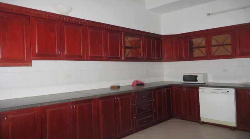 5-bedroom-semi-furnished-villa-to-let-on-to-ngoc-van-tay-ho-11