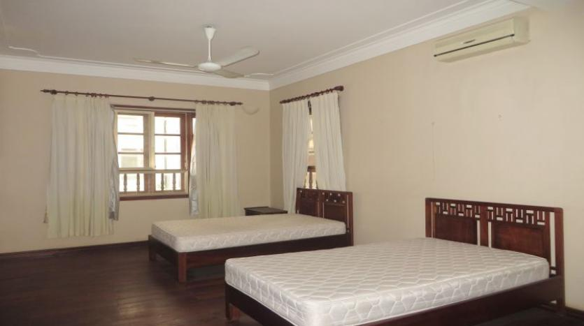 5-bedroom-semi-furnished-villa-to-let-on-to-ngoc-van-tay-ho-12