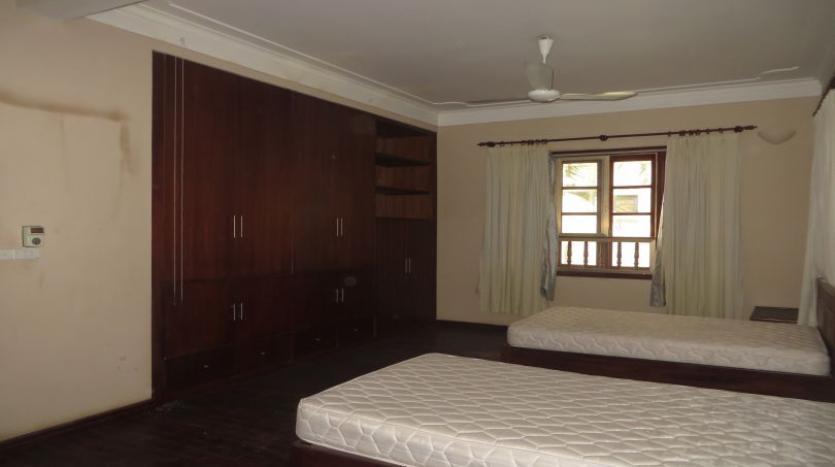 5-bedroom-semi-furnished-villa-to-let-on-to-ngoc-van-tay-ho-13