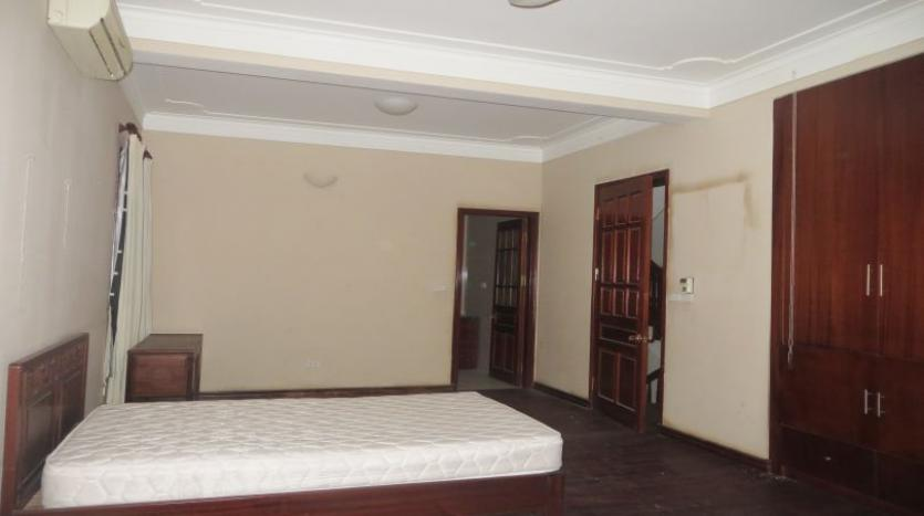5-bedroom-semi-furnished-villa-to-let-on-to-ngoc-van-tay-ho-14