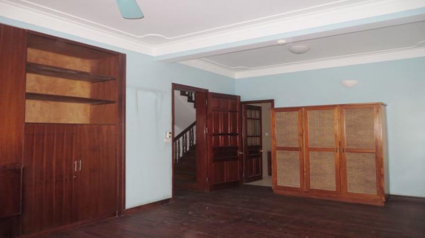 5-bedroom-semi-furnished-villa-to-let-on-to-ngoc-van-tay-ho-18