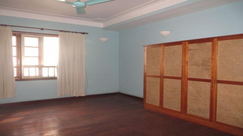 5-bedroom-semi-furnished-villa-to-let-on-to-ngoc-van-tay-ho-20