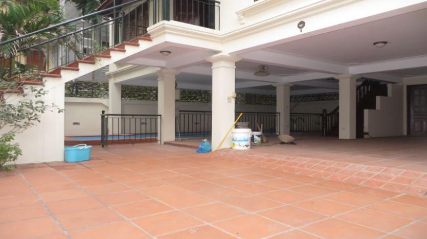 5-bedroom-semi-furnished-villa-to-let-on-to-ngoc-van-tay-ho-21