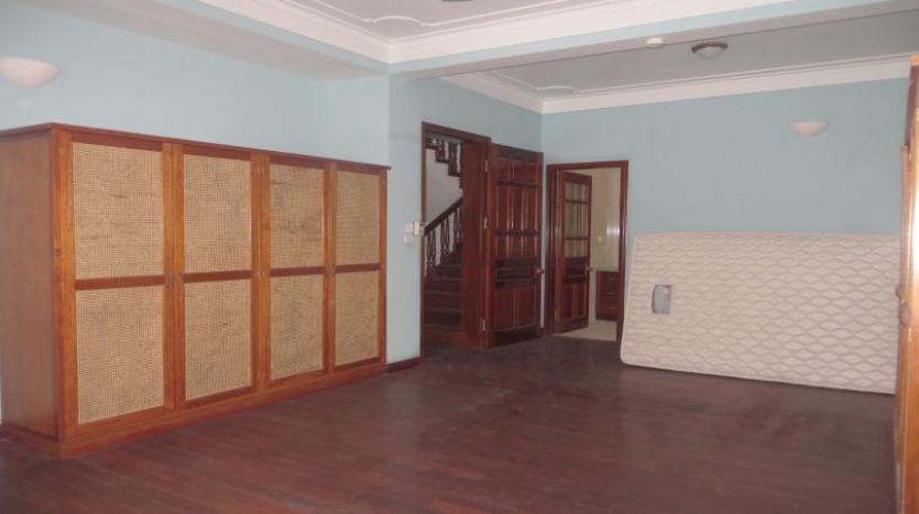 5-bedroom-semi-furnished-villa-to-let-on-to-ngoc-van-tay-ho-22
