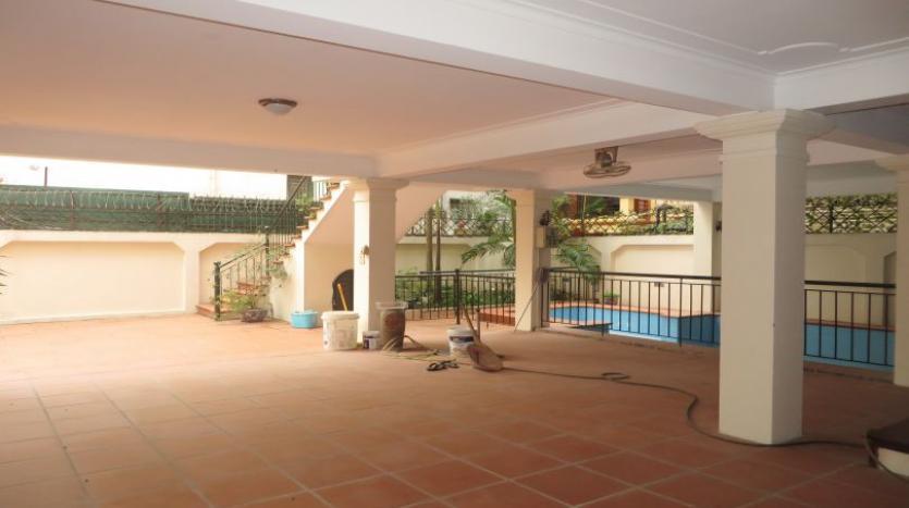 5-bedroom-semi-furnished-villa-to-let-on-to-ngoc-van-tay-ho-3