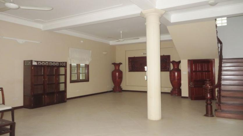 5-bedroom-semi-furnished-villa-to-let-on-to-ngoc-van-tay-ho-5
