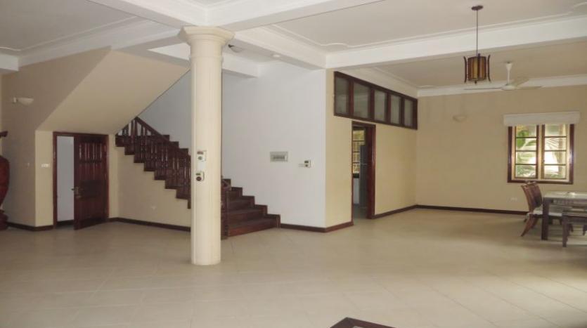 5-bedroom-semi-furnished-villa-to-let-on-to-ngoc-van-tay-ho-6
