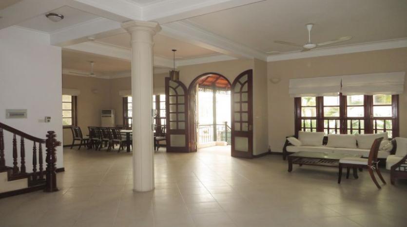 5-bedroom-semi-furnished-villa-to-let-on-to-ngoc-van-tay-ho-7