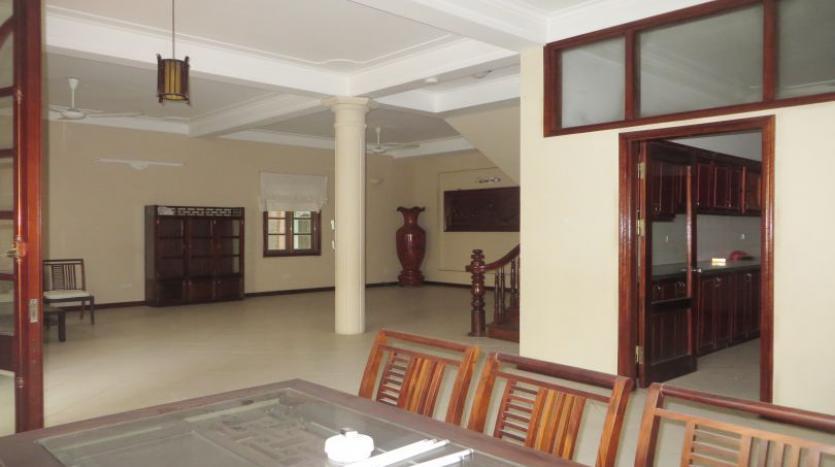 5-bedroom-semi-furnished-villa-to-let-on-to-ngoc-van-tay-ho-9