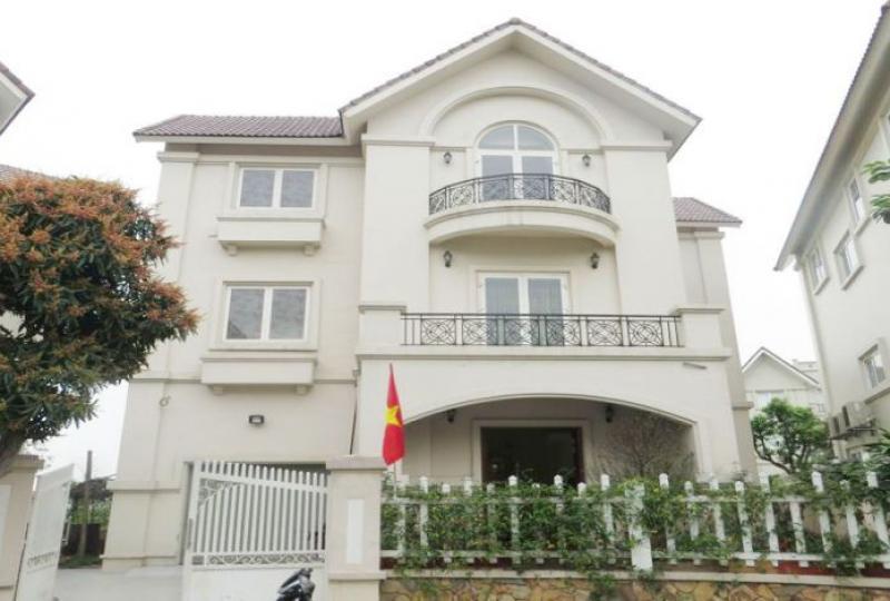 5 detached villa with riverside in Vinhomes Long Bien for rent