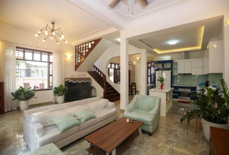 4 floors, 4 bedroom house to rent in Tay Ho, Hanoi