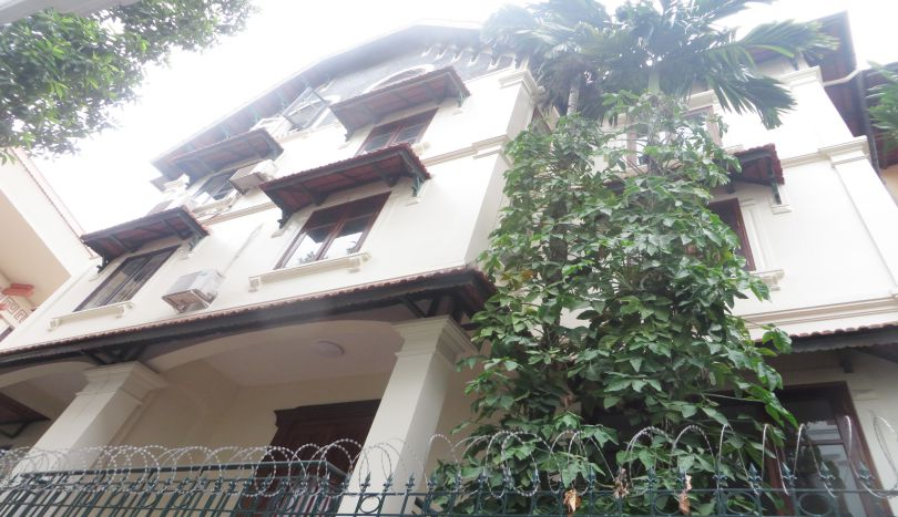 6 bedroom detached house to rent in Tay Ho, semi furnished