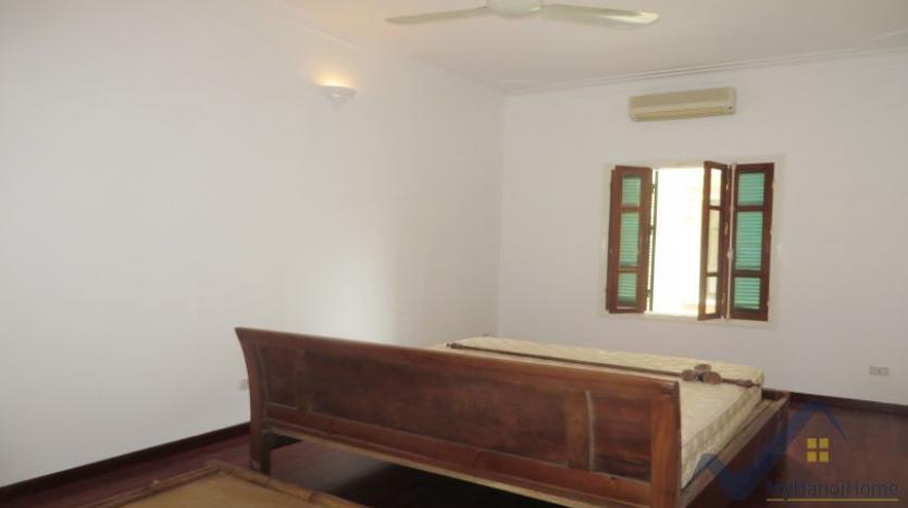 a-stunning-detached-house-to-rent-in-tay-ho-area-unfurnished-12
