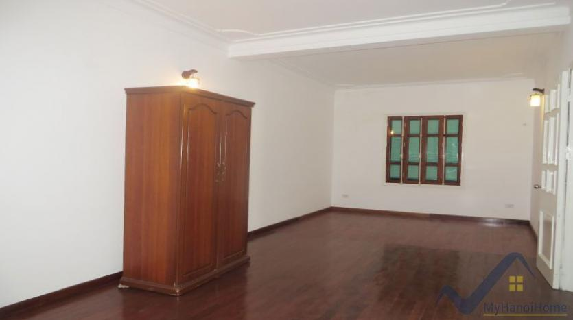a-stunning-detached-house-to-rent-in-tay-ho-area-unfurnished-15
